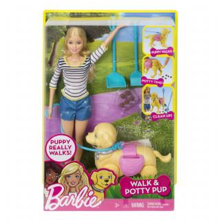 Barbie i psić u šetnji